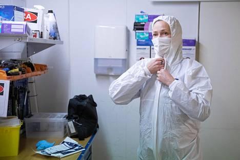 TV-sarjoissa tutkijat säntäävät paikalle ilman suojavarusteita, mutta oikeassa elämässä on toisin.
