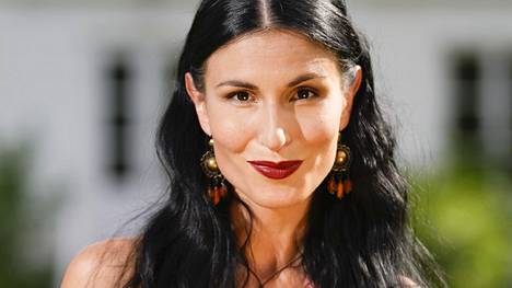 Maria Lund hehkuttaa uutta elämäntilannettaan Hyvä terveys -lehdessä.