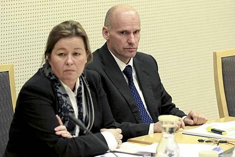 Breivikin puolustusasianajajina toimivat Vibeke Hein Baera ja Geir Lippestad.