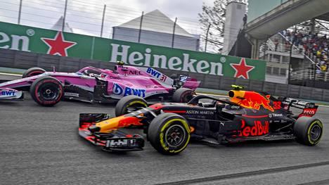 """F1-kisassa tyrinyt Esteban Ocon saa rajusti kuraa vanhoilta mestareilta – """"Ajattelemattomin siirto, jonka olen nähnyt"""""""