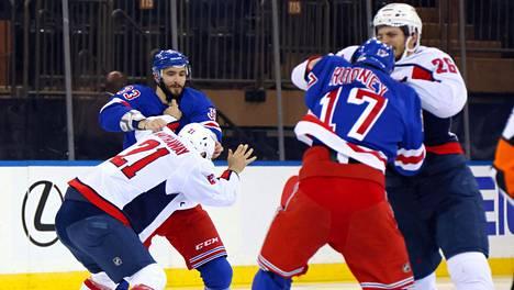 New York Rangersin ja Washington Capitalsin välillä kiehuu.