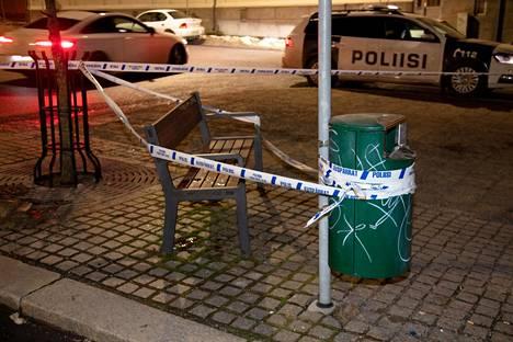 Poliisi eristi alueen heti tapahtuman jälkeen.