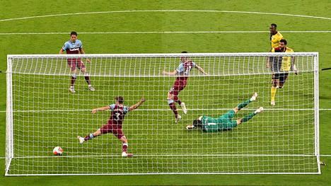 Lontoolaisseura West Ham voitti perjantain myöhäisottelussa kotonaan Watfordin luvuin 3–1.