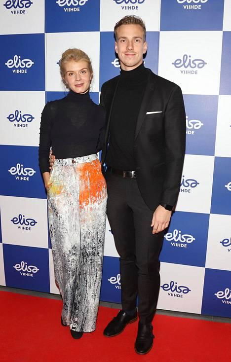 Alina Tomnikov ja Lauri Laukkanen Ivalo-sarjan ensi-illassa lokakuussa 2018.