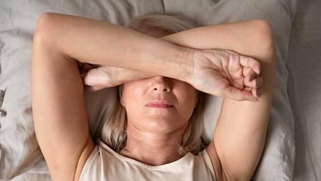 Aurallista migreeniä potevat saavat ennen varsinaista päänsärkyvaihetta esioireita, jotka voivat olla näköhäiriöitä.