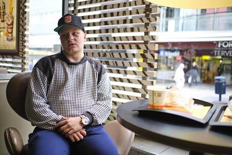 Mikko Hämäläinen ruokaili Peppi Jokisen seurassa Kauppakadun McDonald'sissa, jossa oli aiemmin mahdollisia altistumisia.
