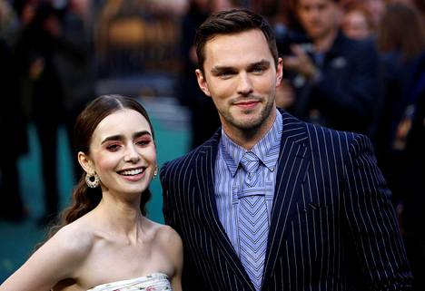 Katastrofilta vältyttiin, ja Tolkien-elokuva valmistui. Maanantaina päätähdet Lily Collins ja Nicholas Hoult osallistuivat elokuvan Britannian kutsuvierasjuhliin.