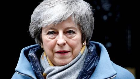 Pääministeri Theresa May vetoaa yhä parlamentin jäseniin, että nämä hyväksyisivät hänen eroehdotuksensa.