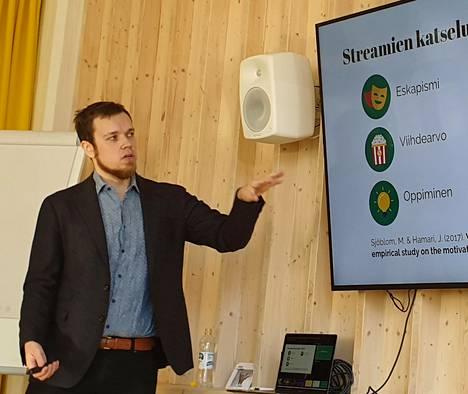 Max Sjöblom on tutkinut sitä sille, miksi ihmiset katsovat striimejä.