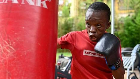 Kenialainen Christine Ongare harjoitteli Nairobissa kesäkuun alussa.