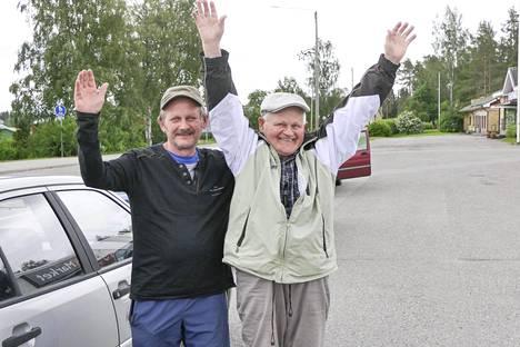 Kari ja Mauri Kukkola iloitsevat että ovat parhaita Suomessa näinkin hyvässä asiassa.