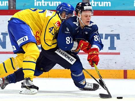 Harri Pesonen esiintyi edukseen Helsingissä.