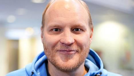 Kalle Palander tunnetaan vitsikkäänä miehenä.