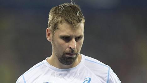 Kauden tapahtumat vetivät Antti Ruuskasen mietteliääksi.