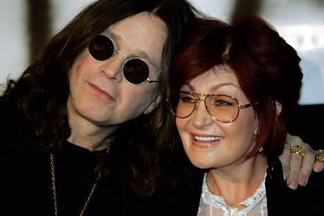 Sharonin ja Ozzyn rakkaus on kestänyt useita alamäkiä. Salasuhteen kampaajaan uskotaan olleen liikaa Sharonille.