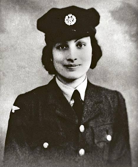 Muslimiprinsessa Noor Inayat Khan (s. 1914) oli ujo lastenkirjailija, josta tuli toisen maailmansodan vastarinnan sankari.