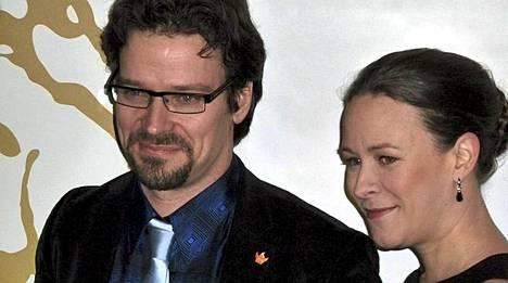 Maria Wetterstrandin aviomies on Suomen vihreiden puheenjohtaja ympäristöministeri Ville Niinistö.