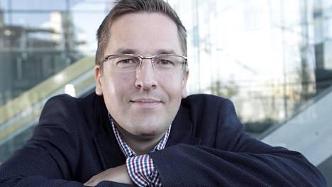 Tuomas Marjamäki on kirjoittanut kirjoja suomalaisista viihdeohjelmista.