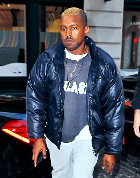 Kanye West on vastikään valkaissut hiuksensa.