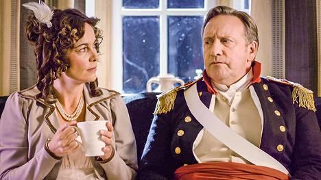 Sarah Barnaby (Fiona Dolman) ja ylikomisario John Barnaby (Neil Dudgeon).