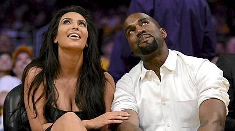 Kim Kardashian ja Kanye West ovat seurustelleet muutaman kuukauden.