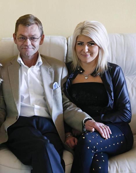 Mikan ja Sonjan avio-onni kesti reilut viisi vuotta. Toinen Mikan kihlatuista ei halua olla enää julkisuudessa.