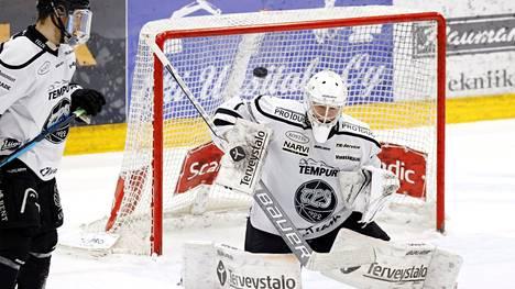 Andrei Karejev vakuutti viime kaudella finalistijoukkue TPS:n maalilla.