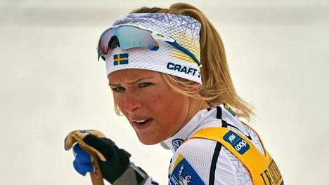 Frida Karlsson joutui kilpailutauolle terveystarkastuksen jälkeen.