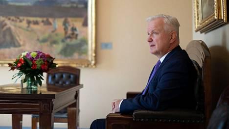 Suomen Pankin pääjohtaja Olli Rehn aikoo kypsytellä ehdokkuusasiaa vähintäänkin ensi kesään asti.