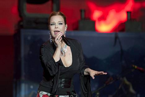 Anette Olzon ei muistele lämmöllä aikaansa yhtyeen riveissä.