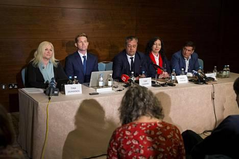 Detained in Dubai -järjestö piti viime huhtikuussa Lontoossa lehdistötilaisuuden liittyen Sheikha Latifan katoamiseen. Vasemmalta oikealle Tiina Jauhiainen, David Haigh, Toby Cadman, Radha Stirling sekä Herve Jaubert.