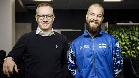 SEULin puheenjohtaja Joonas Kapiainen (vasemmalla) ja joukkueenjohtaja Matti Parkkila lähtevät molemmat Etelä-Koreaan.