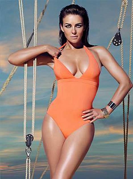 Hugh Grantin ex-heila Liz Hurley näyttää uimapukukuvissaan muoviselta barbielta.