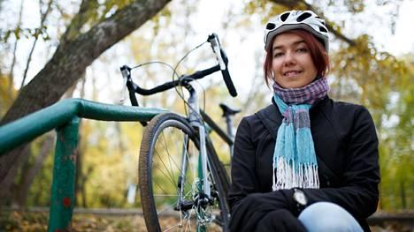 Pyöräily muun muassa pienentää sydän- ja verisuonitautien riskiä.