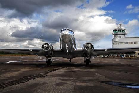Malmin DC-3-koneella lennetään yleensä toukokuun alusta syyskuun loppupuolelle asti.