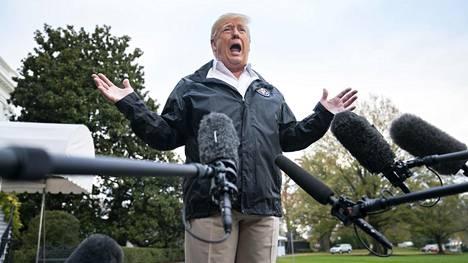 Presidentti Donald Trump puhui medialle lauantaina.