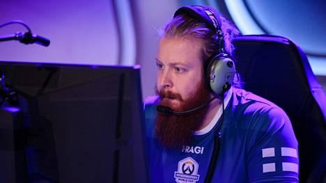 """Joona """"Fragi"""" Laine, 30, pelaa maailman parhaassa World of Warcraft -killassa."""