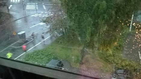 Klaara-myrsky iski kesken Helsinki City Marathonin.