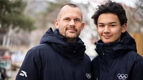 Korkeusgeenit kohdallaan! Olympiavoittaja Stefan Holmin 15-vuotias Melwin-poika seuraa isänsä piikkarinjälkiä.