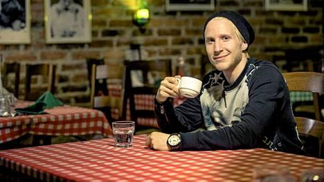 Tomi Saarelma lähti maailmalle jo 15-vuotiaana.