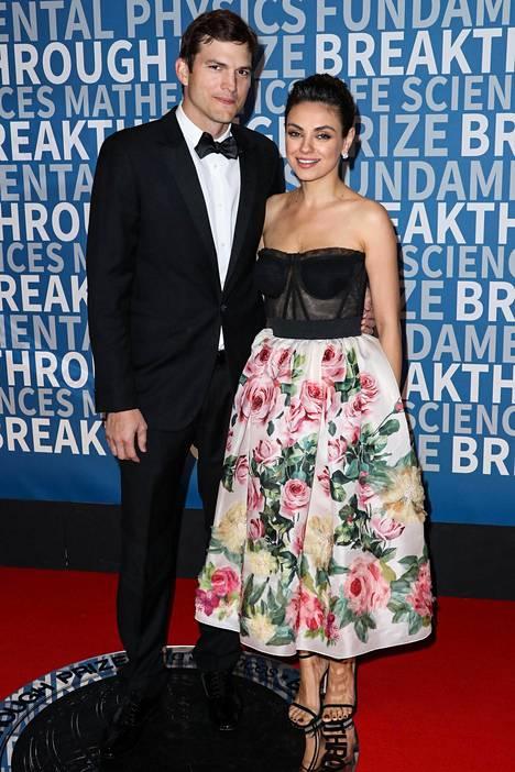 Ashton Kutcher ja Mila Kunis ovat olleet naimisissa kolme vuotta.