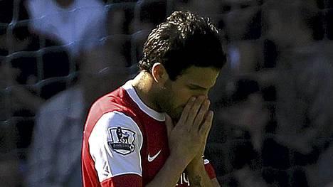 Cesc Fabregas ei voinut uskoa Arsenalin kohtaloa Bolton-ottelussa.