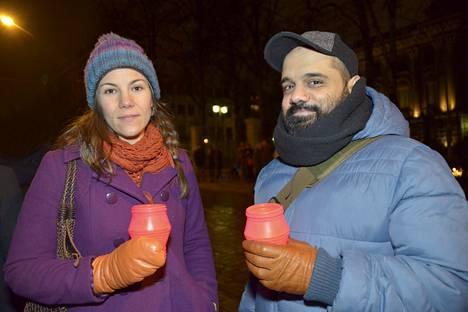 Johanna Warius ja portugalilainen Andre Demony osallistuivat surumielenosoitukseen.