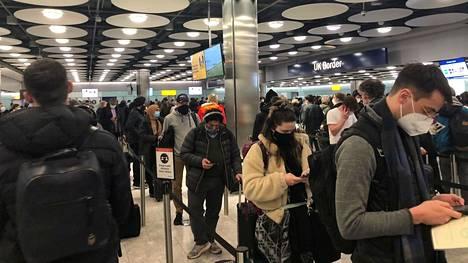 Lontoon Heathrow'n lentokenttä ei ole hiljentynyt kiivaimpaan korona-aikaankaan.