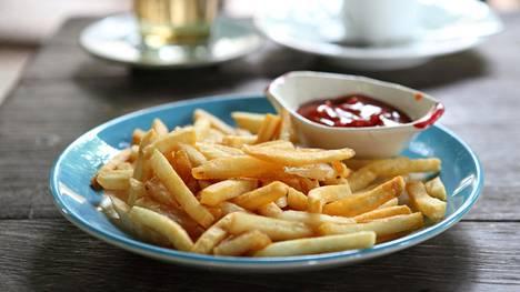 Lihominen ja suurempi energiansaanti saattoivat johtua siitä, että koehenkilöt söivät ultraprosessoitua ruokaa nopeammin kuin tavallista ruokaa.