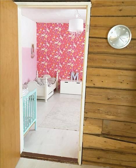 Lapset ovat saaneet sisustaa omat huoneensa, ja remontissa on muutenkin mietitty lasten hyvinvointia.