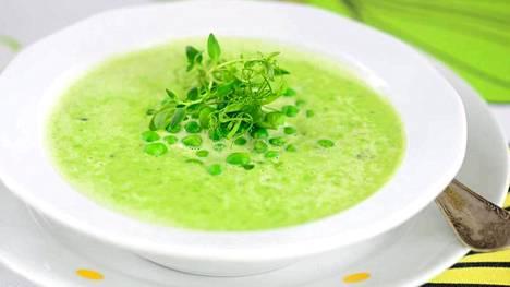 Herkullisen vihreä tuorehernekeitto valmistuu jopa 15 minuutissa.