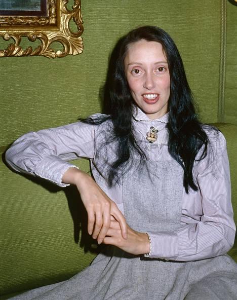 Stanley Kubrickin kerrotaan eristäneen Shelley Duvallin muusta työryhmästä. Valokuvassa Duvall mainostamassa vuonna 1980 julkaistua Popeye-elokuvaa lontoolaisessa hotellissa.