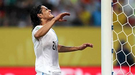 Edinson Cavani ei onnistunut maalinteossa Uruguayn paidassa Confederations Cupin ottelussa Espanjaa vastaan.