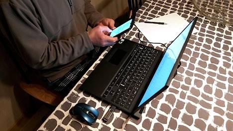 Etätyö on lisännyt mobiiliverkkojen käyttöä päiväaikaan. Suurin kuorma on kuitenkin edelleen iltaisin.